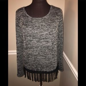 Women's sweater with fringe XS